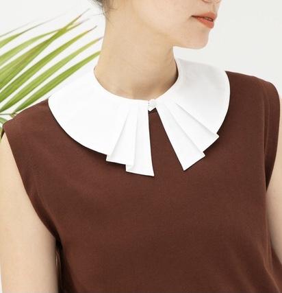 顔タイプ大人タイプに似合う衿。 大人顔に似合うビックカラーデザイン。